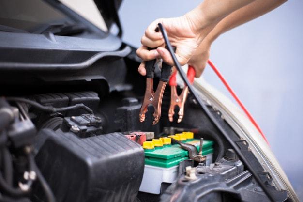 باتری خودرو چگونه کار می کند